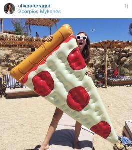 Bouée pizza géante