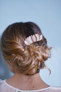Bijou-de-cheveux-mariage-Clemence-Cabanes-l-La-Fiancee-du-Panda-blog-mariage